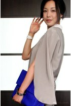 blue python clutch bag - white clic clac Hermes bracelet