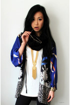 blue kimono Zara jacket - gold egyptian vintage necklace