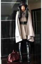 Le Pepe boots - Alexander Wang bag - fur collar Max Mara cape