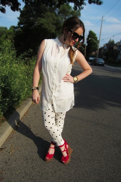 white Paige jeans - red Fendi wedges