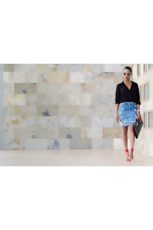 sky blue denim asos skirt - red Vince Camuto shoes - black Forever 21 bag