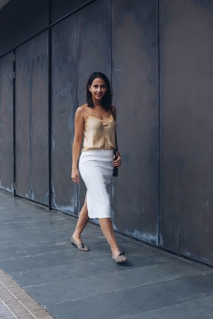 white pepa loves bag - pencil asos skirt