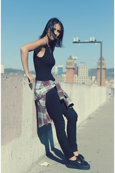 black Zara jeans - black pull&bear jacket - black Shana bodysuit