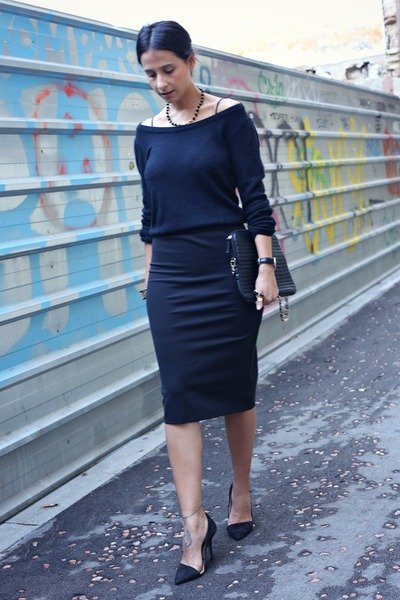 black H&M jumper - black Shopbop necklace - black H&M skirt - black Zara pumps