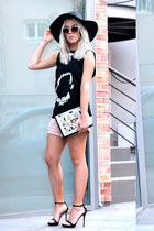 oversized hat H&M hat - OASAP bag - Zara shorts - wild animal romwe top