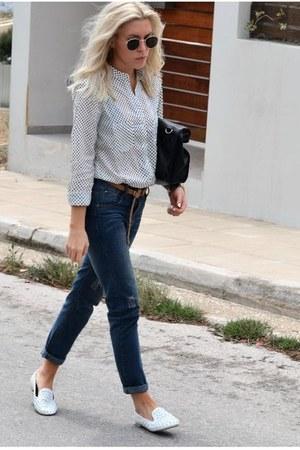 high waisted romwe jeans - polka dots cichic shirt - studs chicnova flats