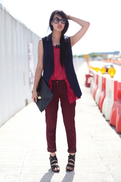 maroon romwe top - navy romwe vest