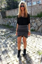 monochrome Vila skirt - black inci boots - black new look shirt