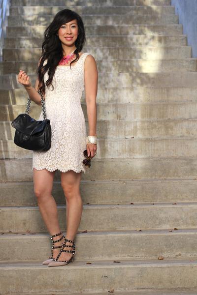 vintage dress - Karen Walker sunglasses - jen hoodenpyle necklace