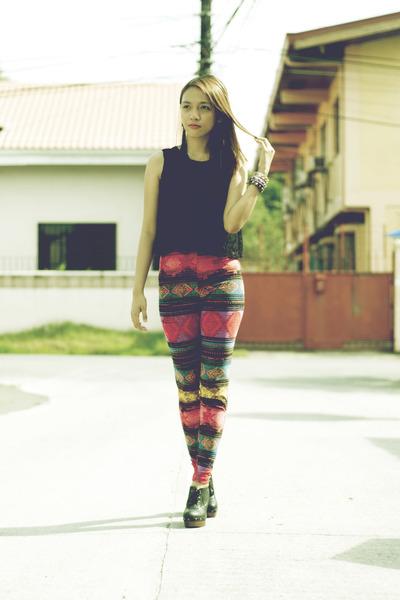 dark gray studded Clothepedia boots - brick red aztec Clothepedia leggings