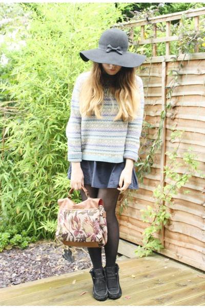 navy vintage skirt - black Primark hat - brown Primark bag