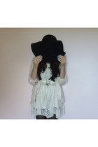 ivory lace vintage dress - black felt Primark hat - off white cotton H&M shirt