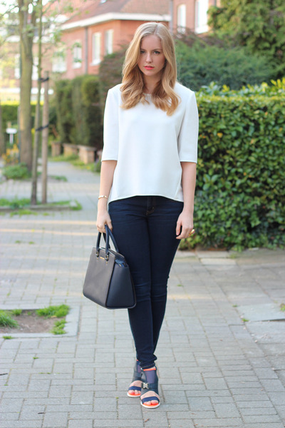 white whistles t-shirt - navy Michael Kors bag