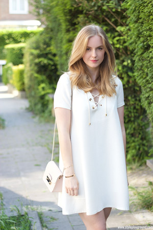 white crepe Bash dress - light pink leather Furla bag