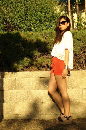 red shorts - white scallop top