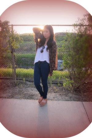 floral print Mango blouse - suede platform Urban Outfitters sandals