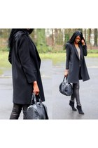 black dilger Aldo boots - black bottom studded chicnova bag