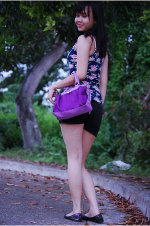 violet WAGW top - black Market shorts - violet Victorias Secret bag - gray Wet S