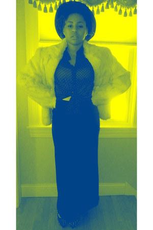 skirt - coat - hat - blouse - heels
