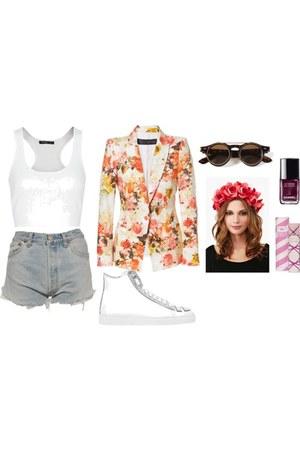 floral blazer - shorts - lennon style sunglasses