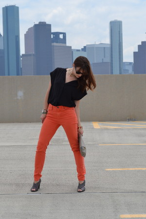 orange high waist Urban Outfitters jeans - black Express shirt