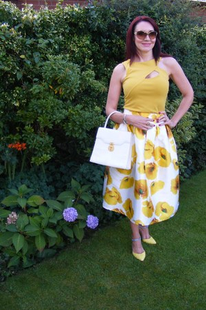 romwe skirt - gold Jane Norman top