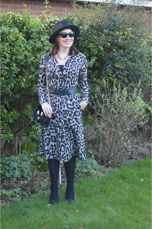 leopard print Melania London dress - black Zara hat - black Zara bag