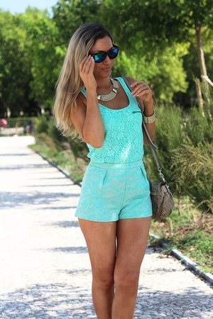 Nine West sandals - Guess bag - Primark shorts - Pimkie blouse