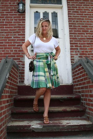 white Aude t-shirt - green Moschino skirt - brown Susan Faber bag - brown Chanel