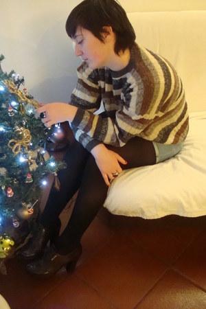 off white twiddy vintage sweater - light blue Zara shorts - dark brown Prada sho