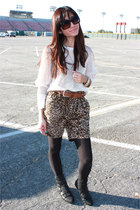 pink H&M top - brown PHAMOUS shorts - black Jeffrey Campbell shoes - black Marc