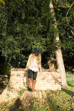 black fedora Accessorize hat - dark brown riding boots Primark boots