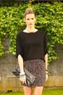 Pink-aritzia-skirt-black-zara-shirt