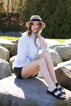 tan Holt Renfrew hat - black Zara shorts - black Zara sandals