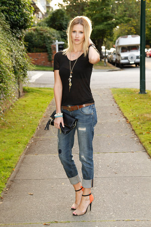 blue Zara jeans - black Aritzia t-shirt