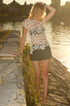ivory Zara shirt - black Zara shorts