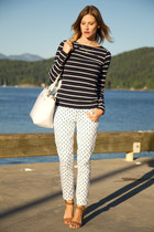 navy H&M top - white J Crew pants - nude Zara sandals