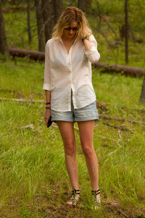 light blue H&M shorts - cream H&M shirt