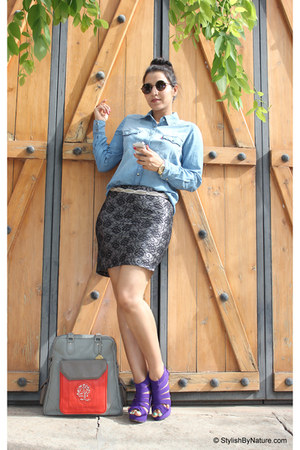 black LifeStyle skirt - light blue Levis shirt