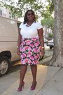 White-old-navy-t-shirt-hot-pink-floral-forever21-skirt