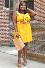 Tan-ankle-strap-vince-camuto-shoes-yellow-ruffled-ashley-stewart-dress