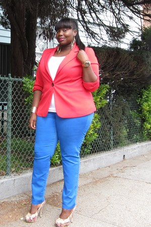 blue skinny Faith21 Plus jeans - red one button Faith21 Plus blazer