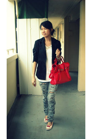 red bag - gray jeans - black blazer - white top - silver