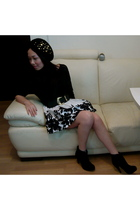 from japan hat - from japan blouse - HK belt - Forever21 skirt - from Ebay boots