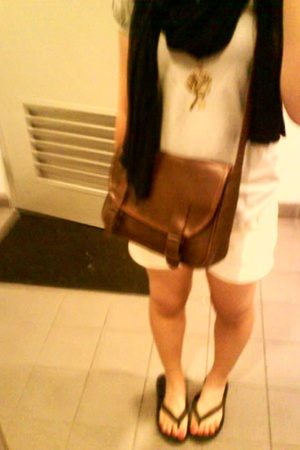 top - shorts - purse - scarf