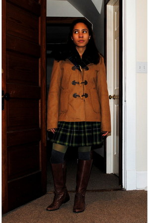 dark brown liz claiborne boots - tawny Zara coat - forest green plaid Target ski