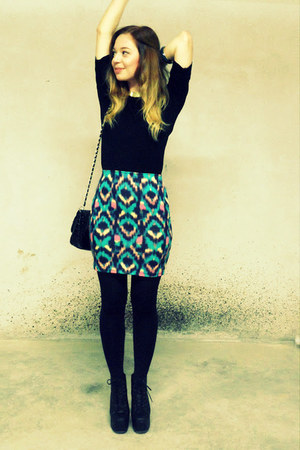 hot pink aztec pull&bear skirt - black Primark bag - gold H&M necklace