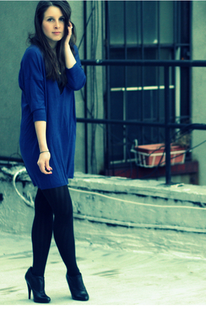 blue H&M dress - black Wolford tights - black Steven by Steve Madden shoes - bla