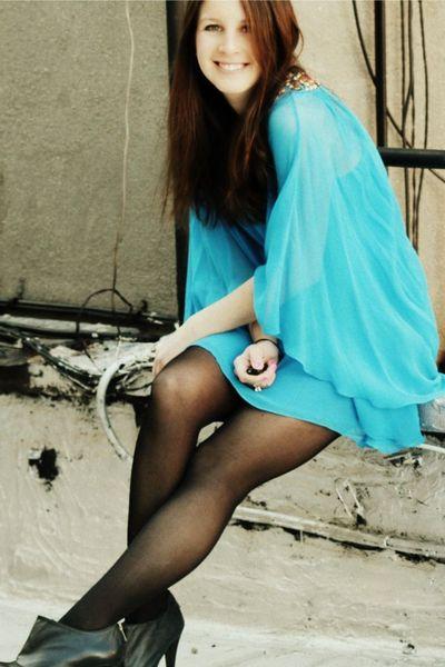 blue Tibi dress - black Wolford tights - black Steve Madden shoes