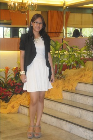 white accessories - white stripe Forever 21 dress - black waterfall blazer